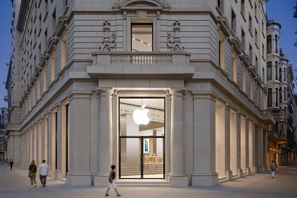 apple_store_barcelona